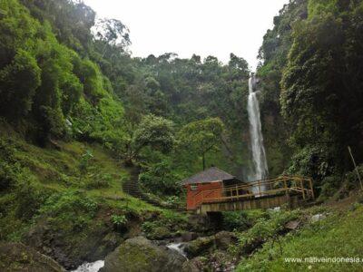 8 Tempat Wisata Curug di Bandung Yang Di Rekomendasikan