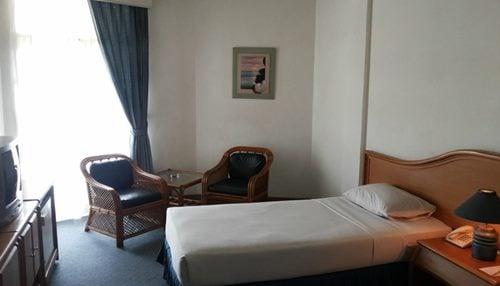 Hotel crown tasikmalaya