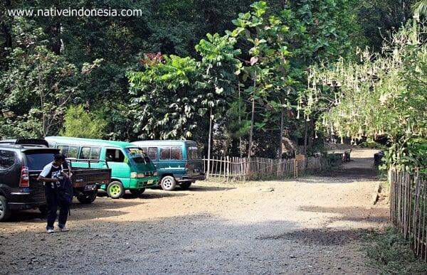 taman buru masigit kareumbi - area parkir