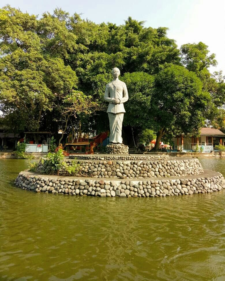 Taman Balekambang Solo Partinah