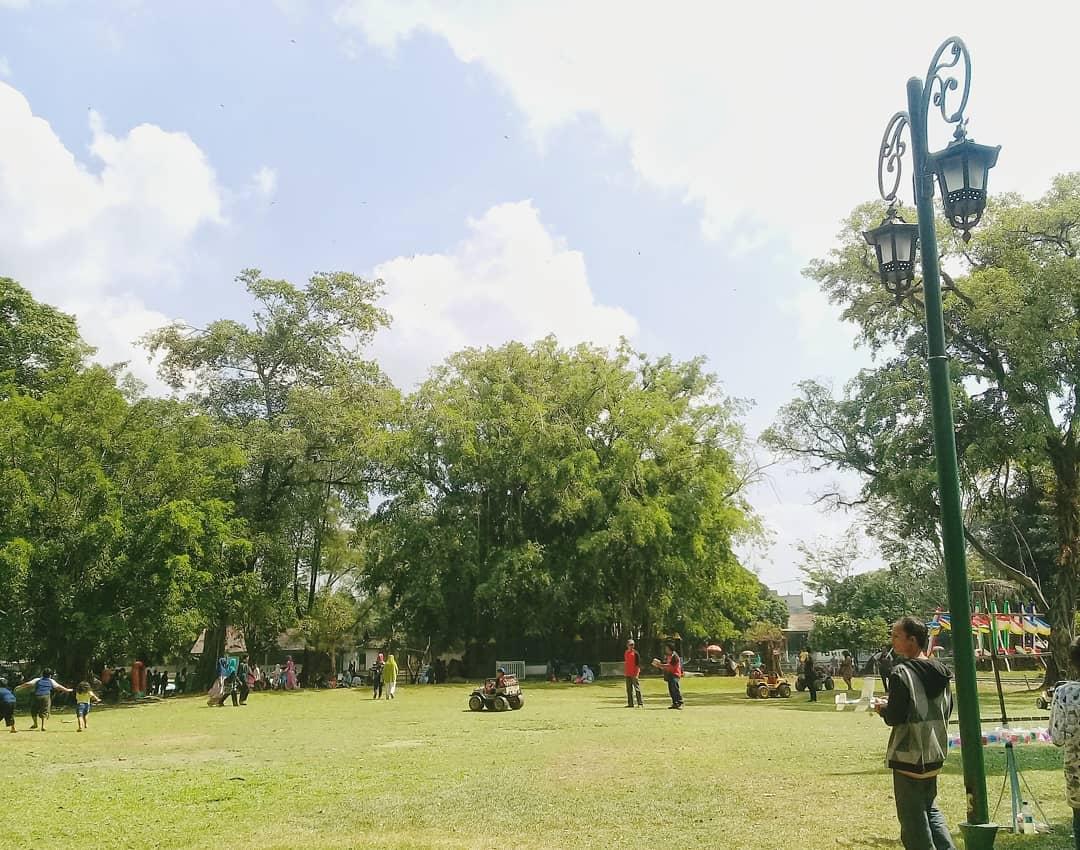 Taman Balekambang Solo View 2