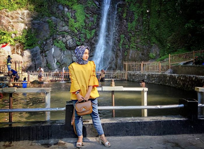 Air Terjun Sedudo Pool
