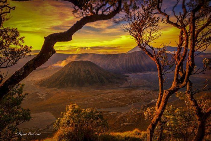 Sunrise Bromo View 1