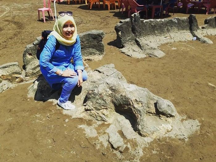 Pantai Air Manis Batu Malin Kundang 1