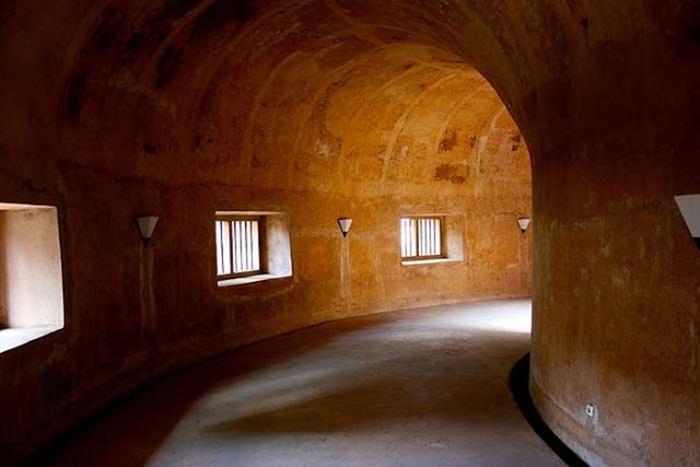 lorong dalam mesjid