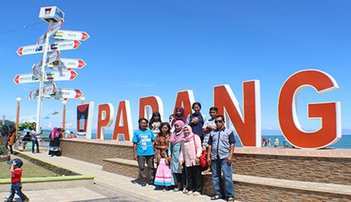 Spot Foto Pantai Padang