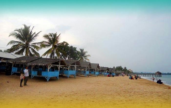 Gazebo Pantai Sambolo