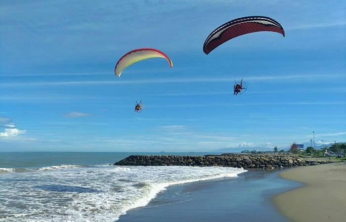 Paramotor Pantai Padang