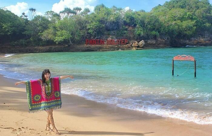 Pasir Halus Pantai Ngliyep