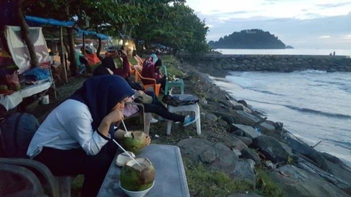 kuliner pantai Padang