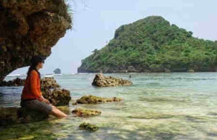 main air Pantai Clungup