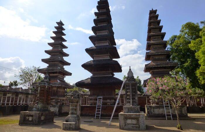 Pura Lingsar di Lombok, situs yang menyatukan 2 umat beragama dalam 1 rasa kebersamaan dan setara