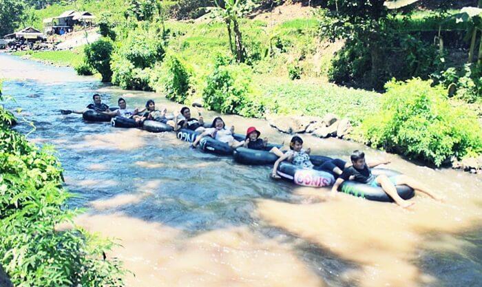 river tubing Sumber Maron