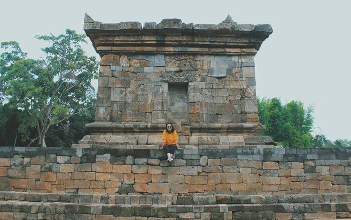 sisi kanan candi Badut
