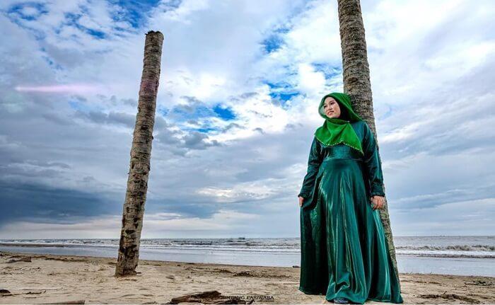 pantai corong, salah satu objek wisata di penajam paser utara yang mengandalkan keindahan panorama laut
