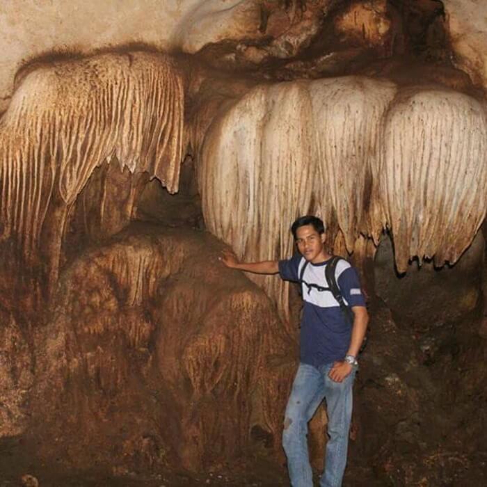 stalatit goa liang tapah berbentuk melebar seperti kipas