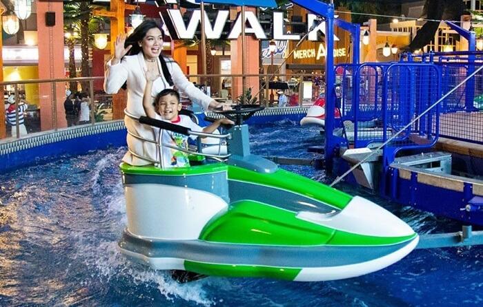 wave race salah satu wahana permainan air di trans studio cibubur