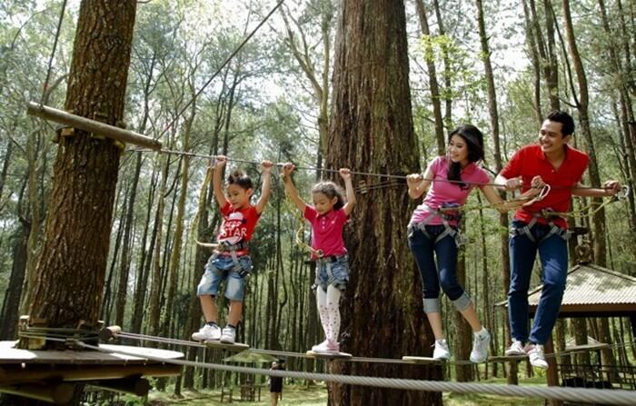 Kebersamaan seluruh keluarga di berbagai kegiatan taman wisata kopeng bsia mempererat hubungan antar anggota