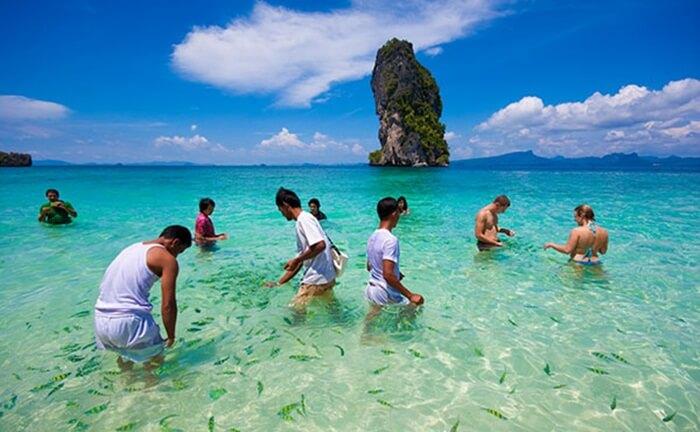 krabi sebuah area tempat wisata di thailand yang bertumpu pada keindahan alam dan pantainya