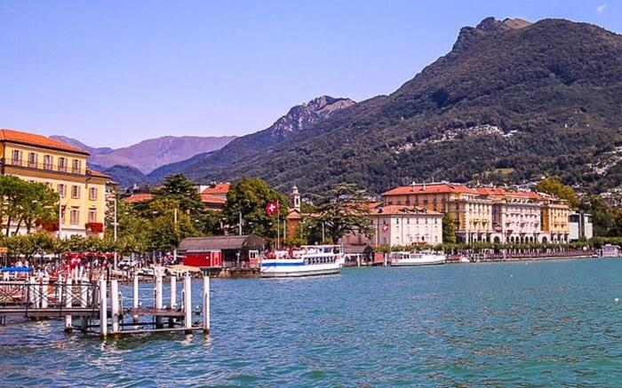 Danau Lugano adalah tempat wisata di Swiss berupa sebuah danau glasial yang terletak di perbatasan Swiss dan Italia, tepatnya di antara Danau Como dan Lago Maggiore