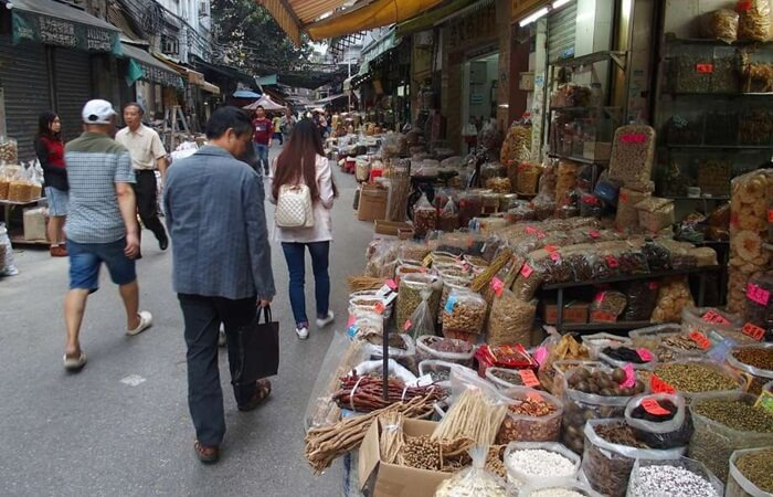 Tempat wisata di Guangzhou ini adalah pusat perdagangan terbesar dan pusat distribusi obat herbal tonik di Cina selatan.