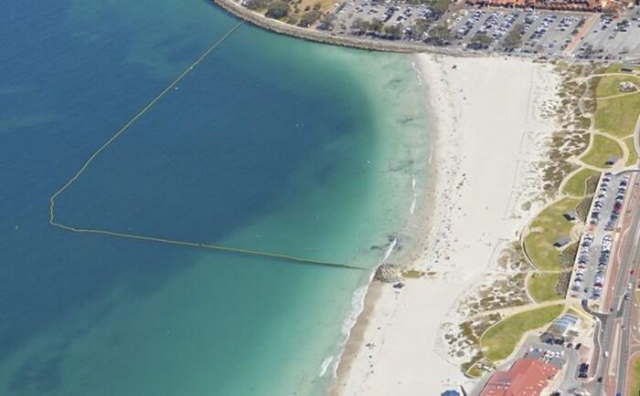 tempat wisata di perth Pantai Sorrento adalah pantai kota yang menakjubkan, bahkan menurut standar Australia.