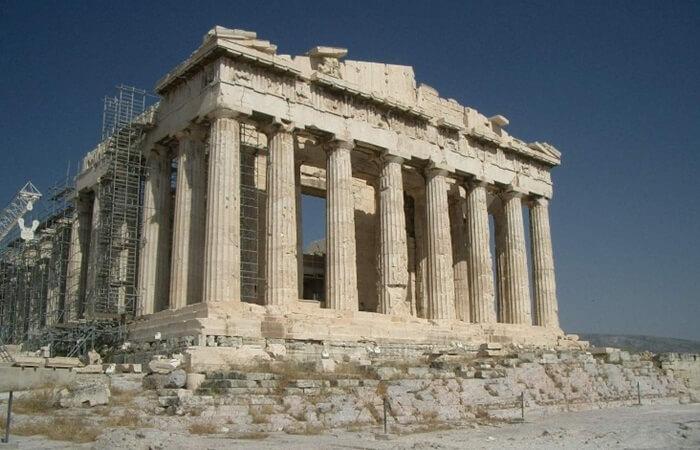 Tempat wisata di Yunani yang paling sering dikunjungi oleh pengunjung luar negeri adalah kuil-kuil