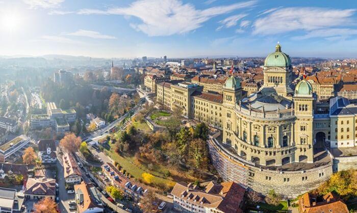 Kota Bern merupakan salah satu kota tempat wisata di Swiss yang indah dan wajib untuk dikunjungi ketika berada di Eropa