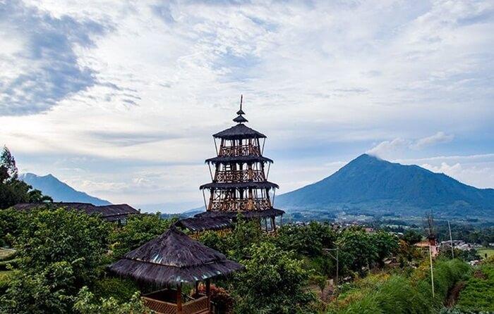 menara pandang taman wisata kopeng memaksimalkan daya tangkap pengunjung dalam menikmati keindahan panorama