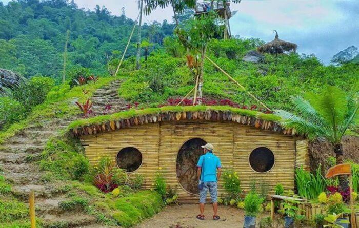 tempat wisata tawangangu satu ini menghadirkan kesempatan untuk merasakan sensasi bertani dan beternak