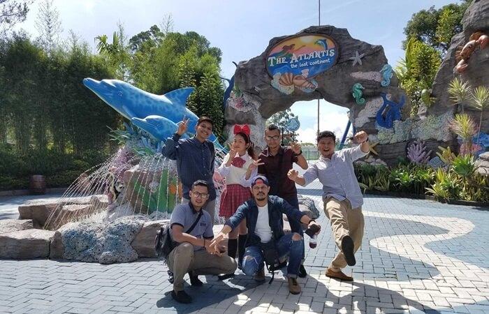Dalam zona Atlantis Mikie Holiday Funland, menampilkan semua wahana mempunyai nama yang memilihi hubungan dengan Laut.