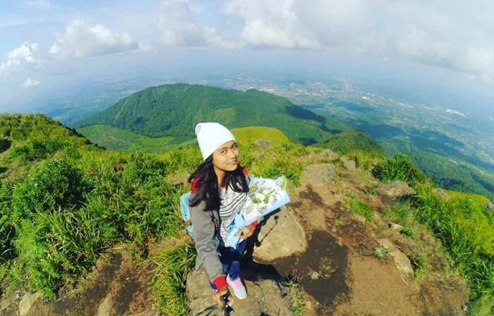 Di tempat wisata Ambarawa ini terdapat objek Gunung Ungaran. Lokasi ini cocok untuk wisata pendakian pemula.
