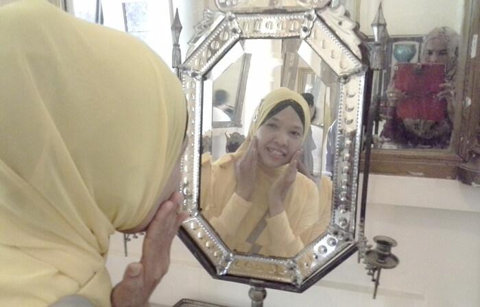 Cermin Permaisuri istana Siak konon memilki kekuatan misterius mengabulkan niat barang siapa yang bercermin