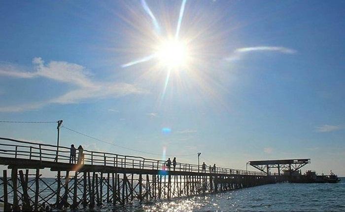 , kelompok pengelola tempat wisata Bangka ini membangun fasilitas menarik di pantai ini