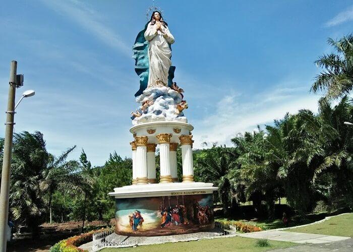 Di tempat wisata Ambarawa ini juga ada kapel dan beberapa perhentian jalan Salib yang digunakan untuk ziarah Umat Katolik.
