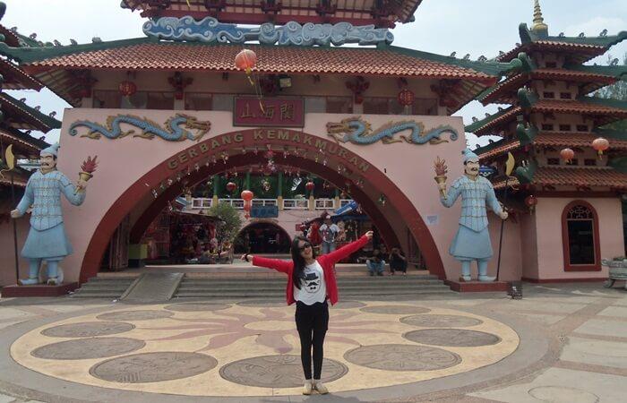ber Sama sama dengan kampung Jpeang berada di Kota Wisata cibubur, mereka berdua menjadi icon tempat wisata cibubur