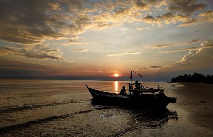 Sunrise teluk Rhu, salah satu pantai mempesona di pulau rupat