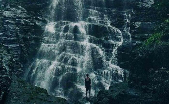 Lelahnya perjalanan akan terbayar lunas begitu sampai di Air Terjun tempat wisata Gorontalo ini.