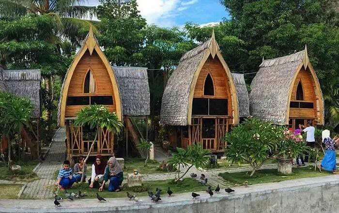 Tempat wisata Gorontalo ini terkenal akan nilai-nilai tradisi dan budaya Gorontalo.