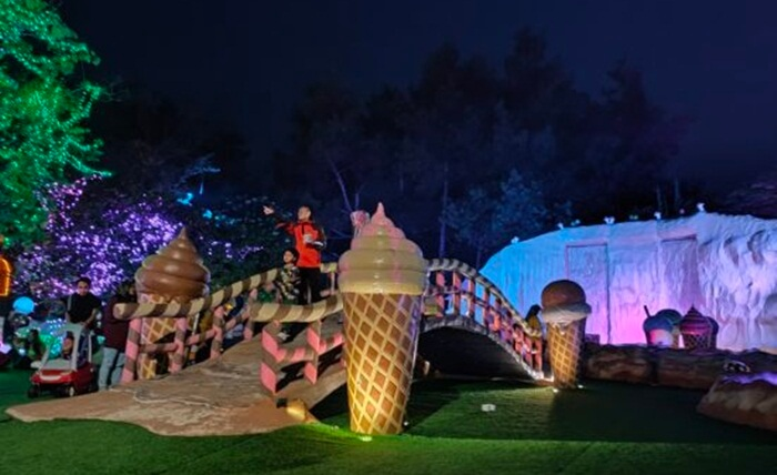 taman Ice cream Park lembang wonderland penuhd engan patung ice cream ukuran raksasa