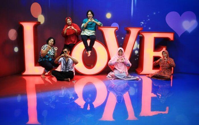 Love Zone Amazing Art World BAndung