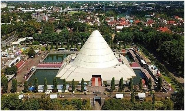 Tempat wisata Sleman Monumen Jogja Kembali merupakan museum sejarah perjuangan kemerdekan negara Indonesia