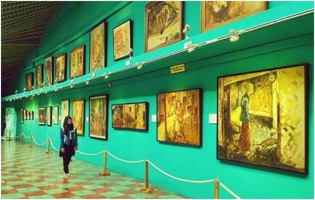 Dahulu tempat wisata Sleman ini adalah sebuah Galeri I yang dirancang sendiri oleh Affandi.