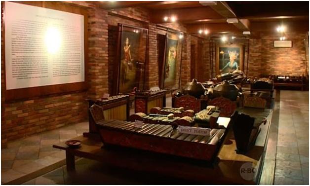 Museum Ullen Sentalu menyajikan hal-hal yang berhubungan dengan bagaimana bangsawan Jawa berpikir dan menjalani kehidupan mereka. Di tempat wisata Sleman ini, semua hal itu berusaha ditampilkan untuk memberikan pengalaman penuh kepada pengunjung.