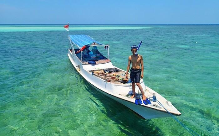 Para penikmat pemandangan bawah laut tidak akan menyesal mendatangi Pulau Sapeken tempat wisata Sumenep ini sebagai destinasi wisata
