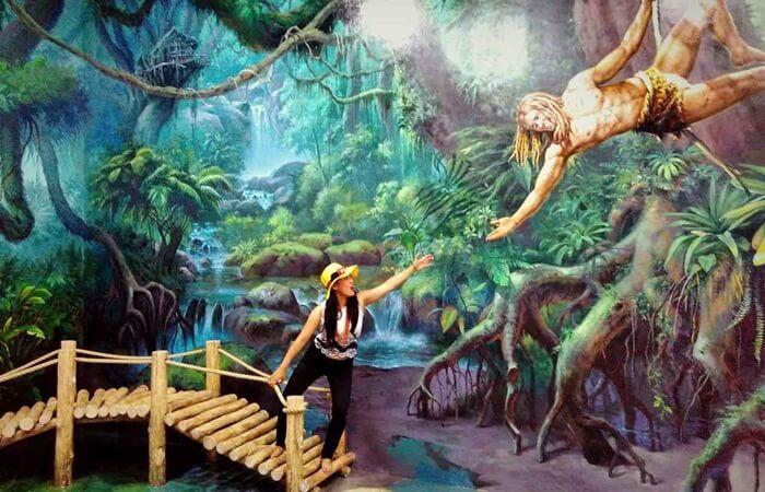 Foto dengan tema alam dan dunia fantasi film tarzan di Amazing art World Bandung mewujudkan mimpi kaan indahnya menjadi jenny, pacar Tarzan.