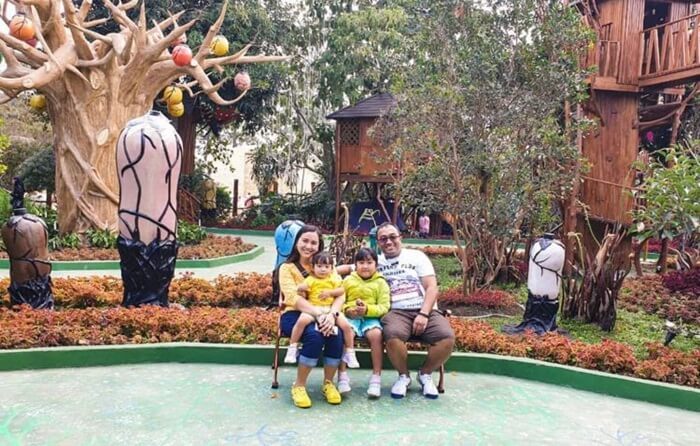 Wisata Keluarga di lembnag wonderland sangat cocok, karena objek ini ramaha nak dan cocok bagi dewasa