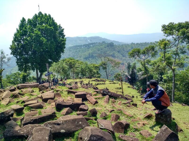 Batu Bersejarah Di Gunung Padang