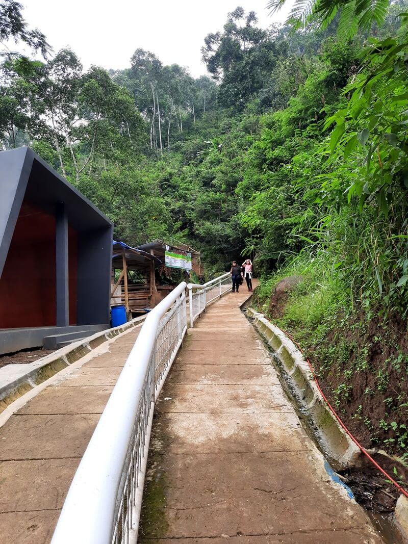 Jalur Trekking Mendekati Curug Malela