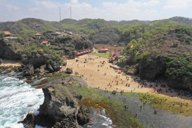 Landcape Pantai Ngrawe